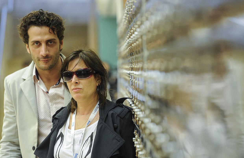 Luciano Caceres aktorea eta Veronica Chen zuzendaria, Kursaalean. / JAGOBA MANTEROLA / ARGAZKI PRESS