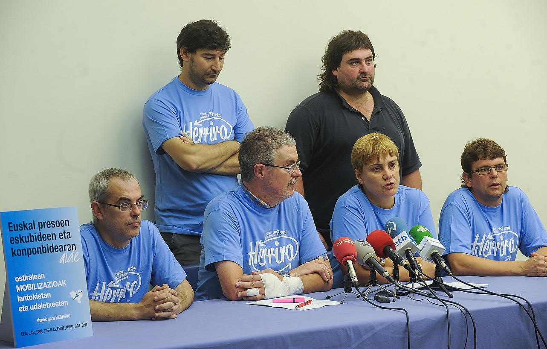 Bilbon sindikatuetako ordezkariek emandako prentsaurrekoa / LUIS JAUREGIALTZO / ARGAZKI PRESS