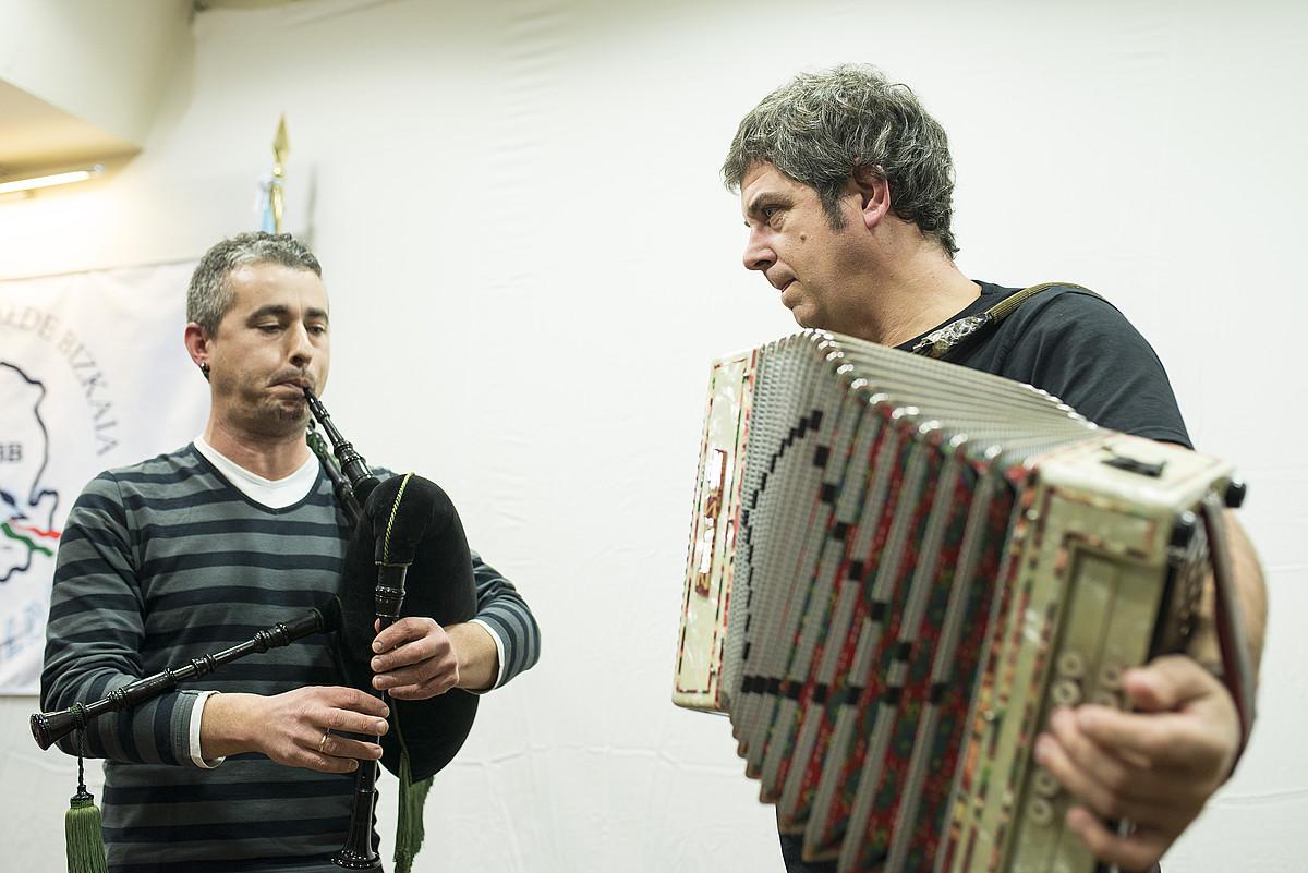 Alberte Sanmartin eta Kepa Junkera, diskoaren aurkezpenean. ©JON HERNAEZ / ARGAZKI PRESS