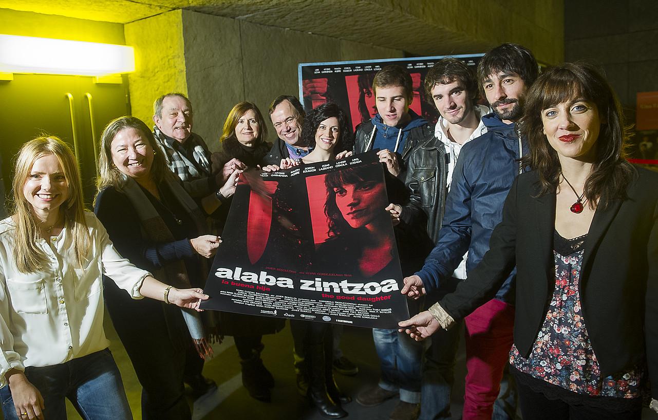 <em>Alaba zintzoa</em> filmeko aktore eta zuzendariak atzo Bilbon egindako aurkezpenean. ©LUIS JAUREGIALTZO / ARGAZKI PRESS