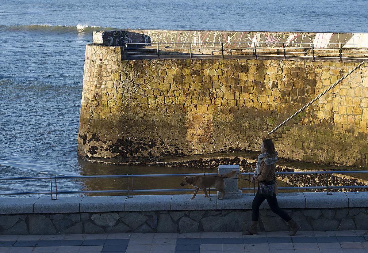 Harriak irudirik gabe, <em>Sirenoa</em> zegoen tokian. ©LUIS JAUREGIALTZO / ARGAZKI PRESS