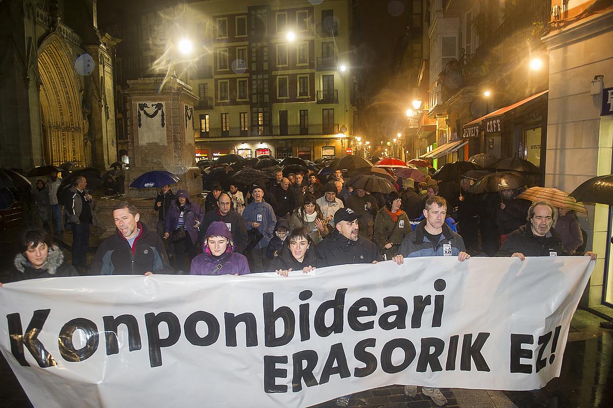 Bilboko Alde Zaharrean atzo egindako manifestazioa. ©LUIS JAUREGIALTZO / ARP