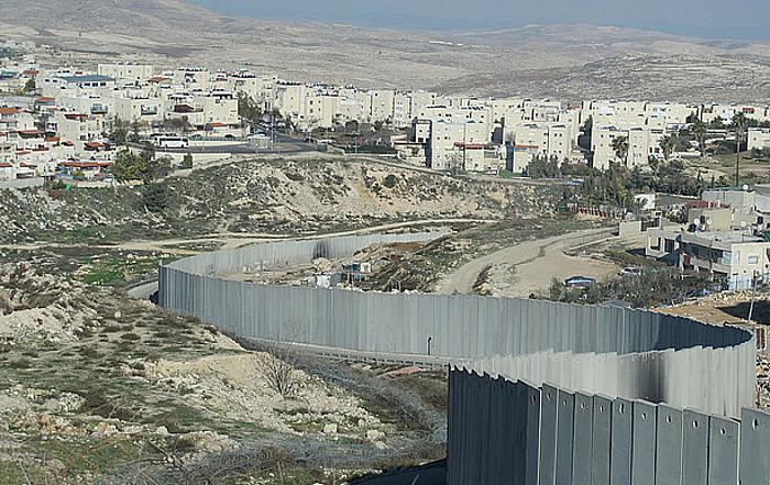 Israelek lurralde okupatuak bereizteko harresia amaitzen duenean, <em>de facto</em> hartuko ditu Zisjordaniako lurren %46. / SAMARA VELTE