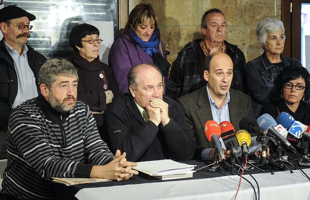 / JAGOBA MANTEROLA / ARGAZKI PRESSSINADURA / AGENTZIA