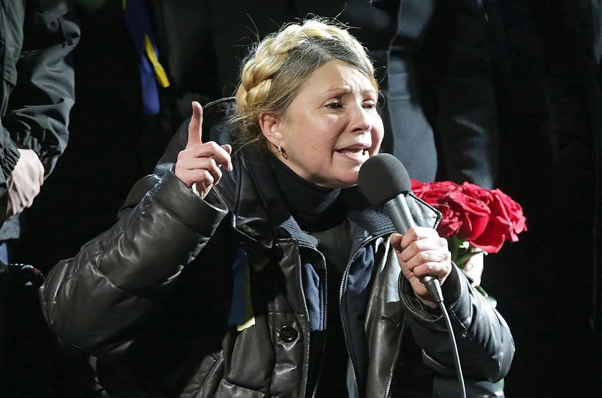 Julia Timoxenko lehen ministro ohia, atzo, Kieveko Independentziaren plazan. Maiatzaren 25eko hauteskundeetara aurkezteko asmoa agertu du.