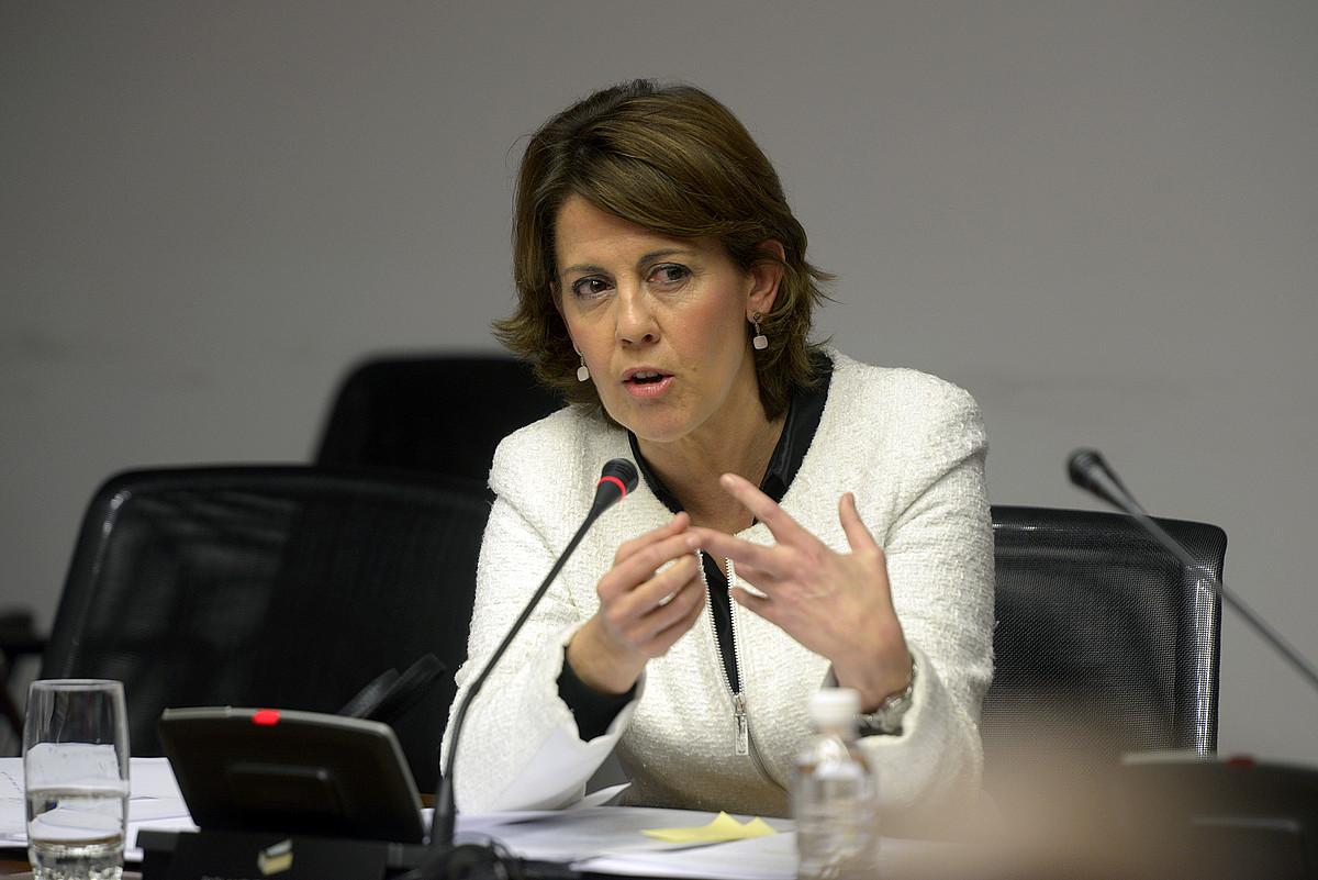 Yolanda Barcina Nafarroako Gobernuko lehendakaria, otsailaren 25ean, parlamentuan, ogasuneko auziko ikerketa batzordean. / IÑIGO URIZ