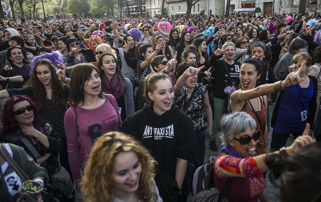 Madrilek abortuaren legea aldatzeko aurkeztutako proiektuari ezezko irmoa eman zioten. Erabakia andreena dela nabarmendu zuten. / JAGOBA MANTEROLA / ARP