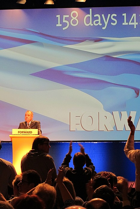 Alex Salmond Eskoziako lehen ministroa, atzoko konferentzian. / IÑIGO ASTIZ