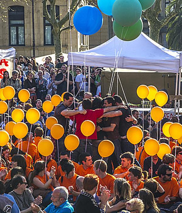 Zigortutako gazteak, iazko apirileko manifestazioan. / GORKA RUBIO / ARGAZKI PRESS