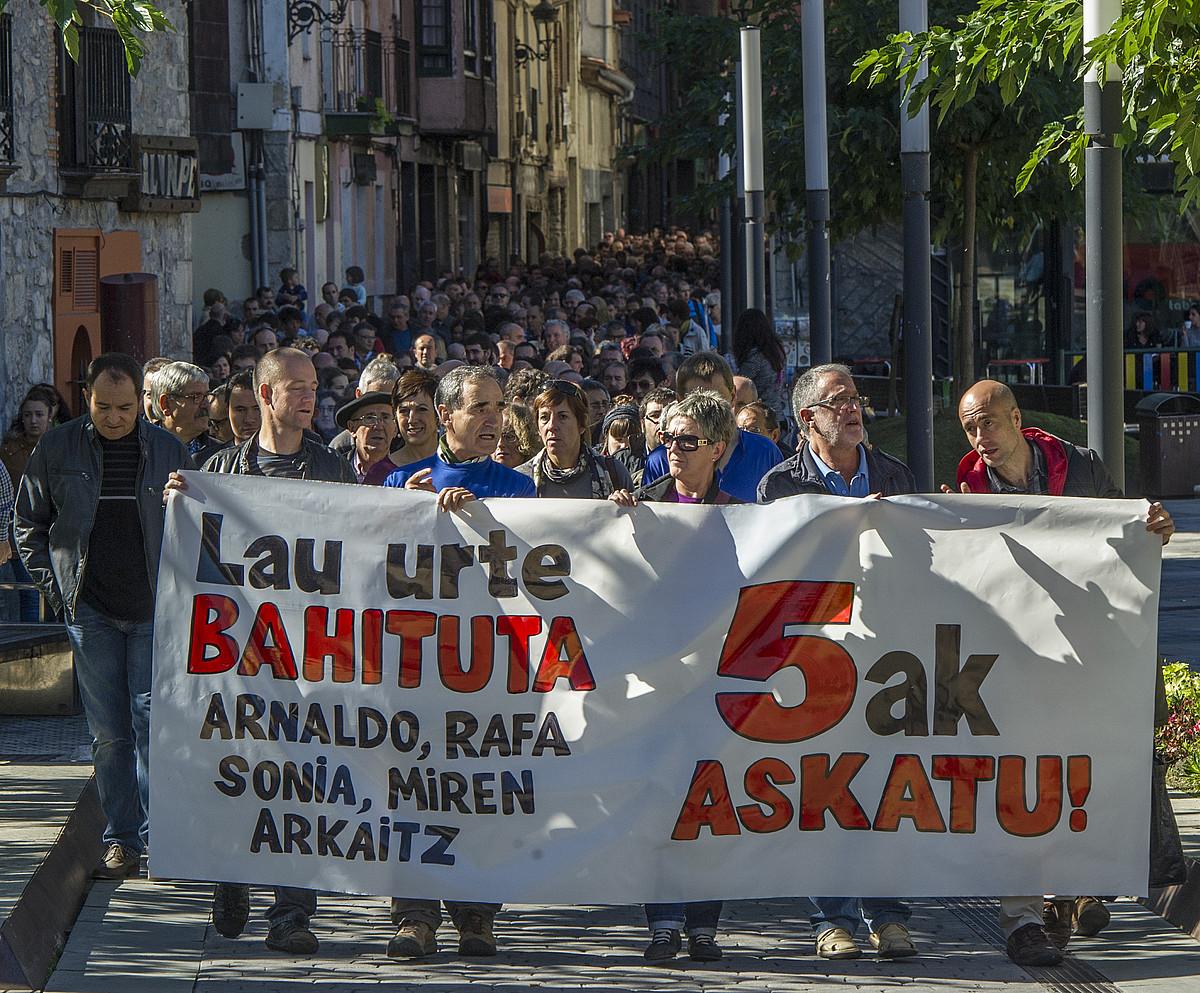 <em>Bateragune auzikoen</em> alde Elgoibarren (Gipuzkoa) egindako manifestazioa. / GORKA RUBIO / ARGAZKI PRESS