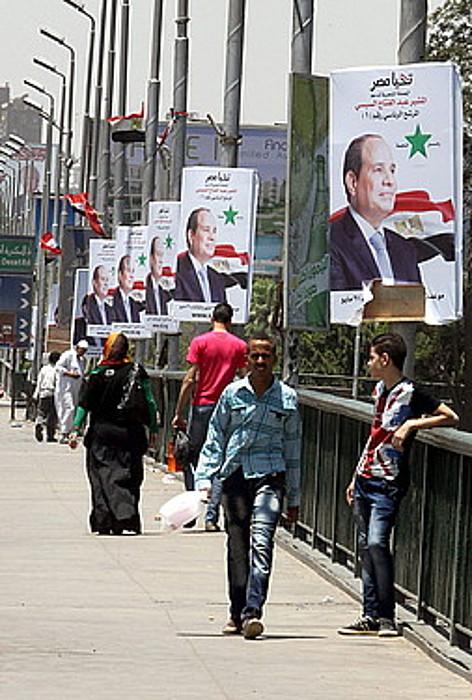Abdel Fatah al-Sisi beste hautagairik ez balego bezala joan da hauteskunde kanpaina egiptoar askorentzat. ©KHALED ELFIQI / EFE