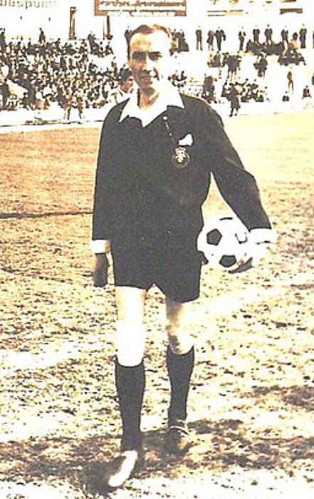 Juan Gardeazabal, 1968an, partida bat hasi aurretik. / JOAQUIN PALMEROLA