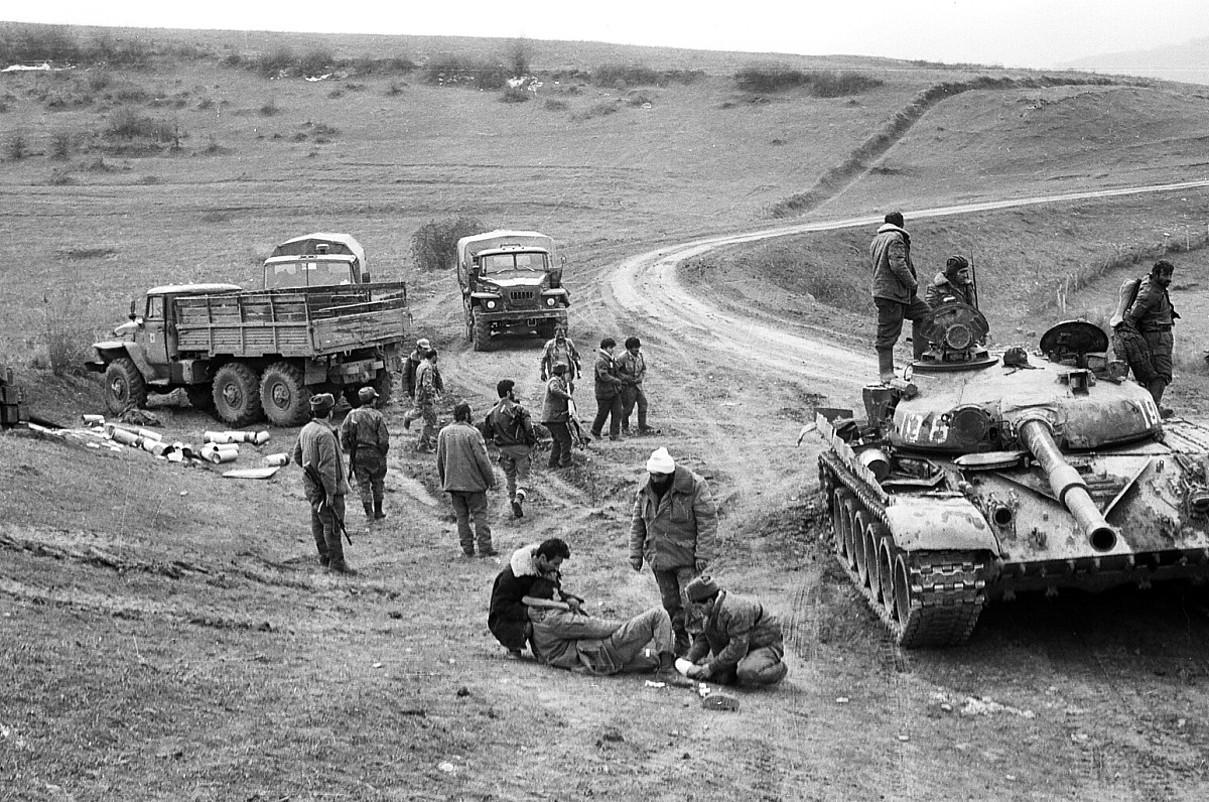 Karabakh Garaiko soldaduak, Azerbaijanen aurka borrokatutako gerran, 1991 eta 1994 bitartean. / BERRIA