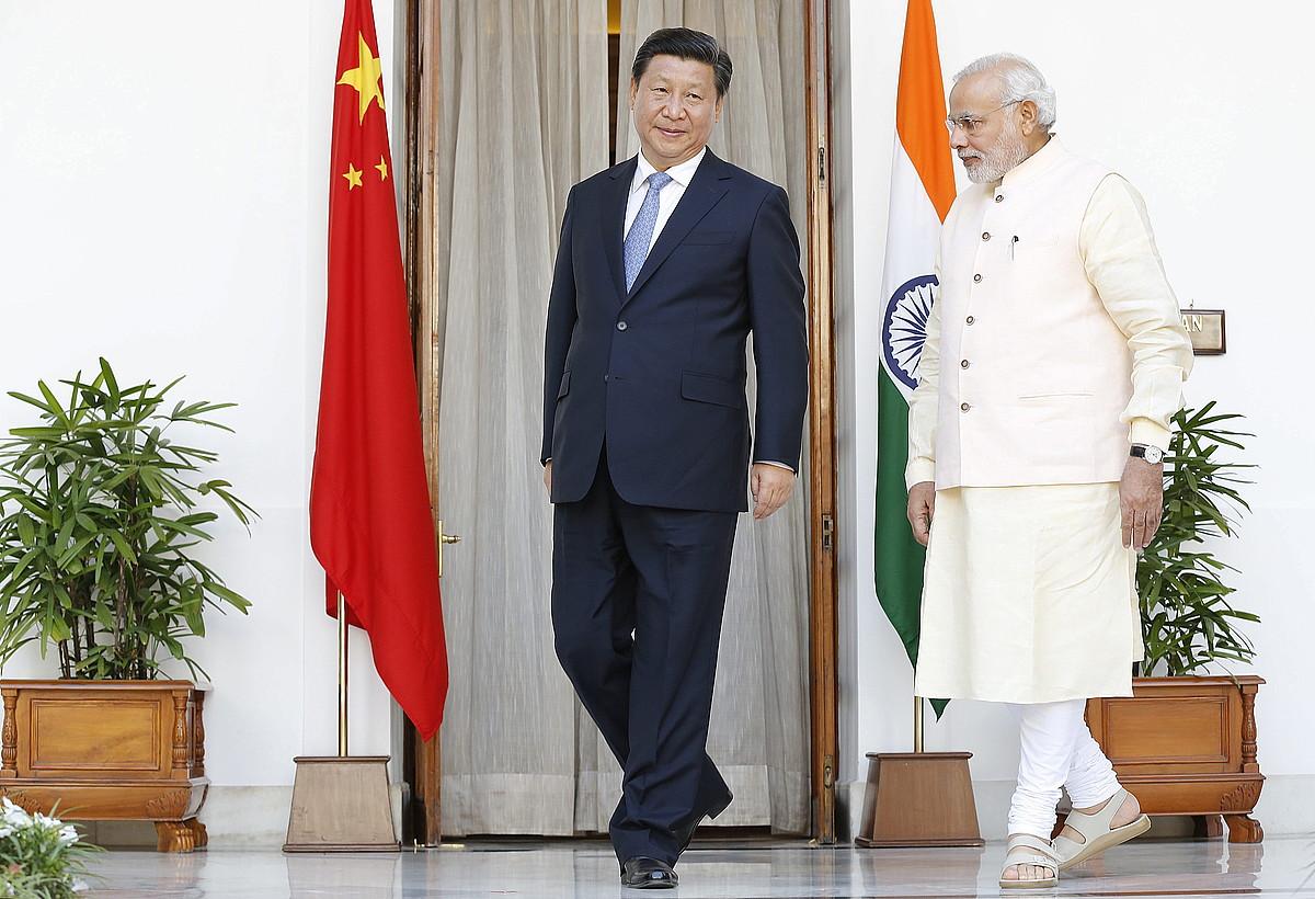 Xi Txinako presidentea eta Modi Indiakoa, atzo, New Delhin.