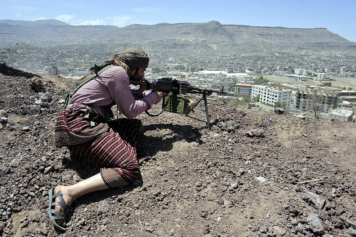Huthi borrokalari bat, Sana hiriburuaren kanpoaldean.