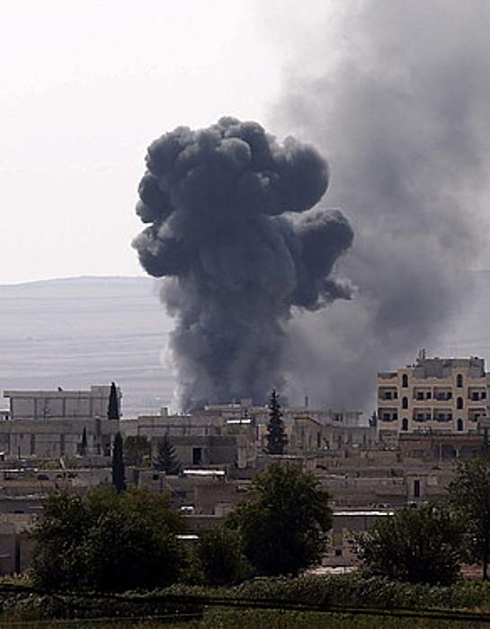 Ke laino bat Kobane hirian; Estatu Islamikoak setiopean dauka.