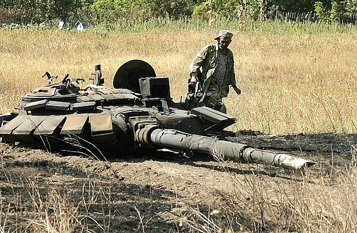 Miliziano errusiazale bat, Donetsketik 50 bat kilometrora.