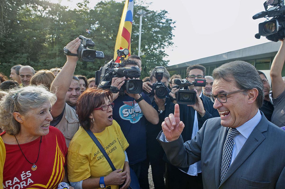 Artur Mas Kataluniako presidentea, <em>Ara es l'hora</em> kanpainaren ordezkariekin.