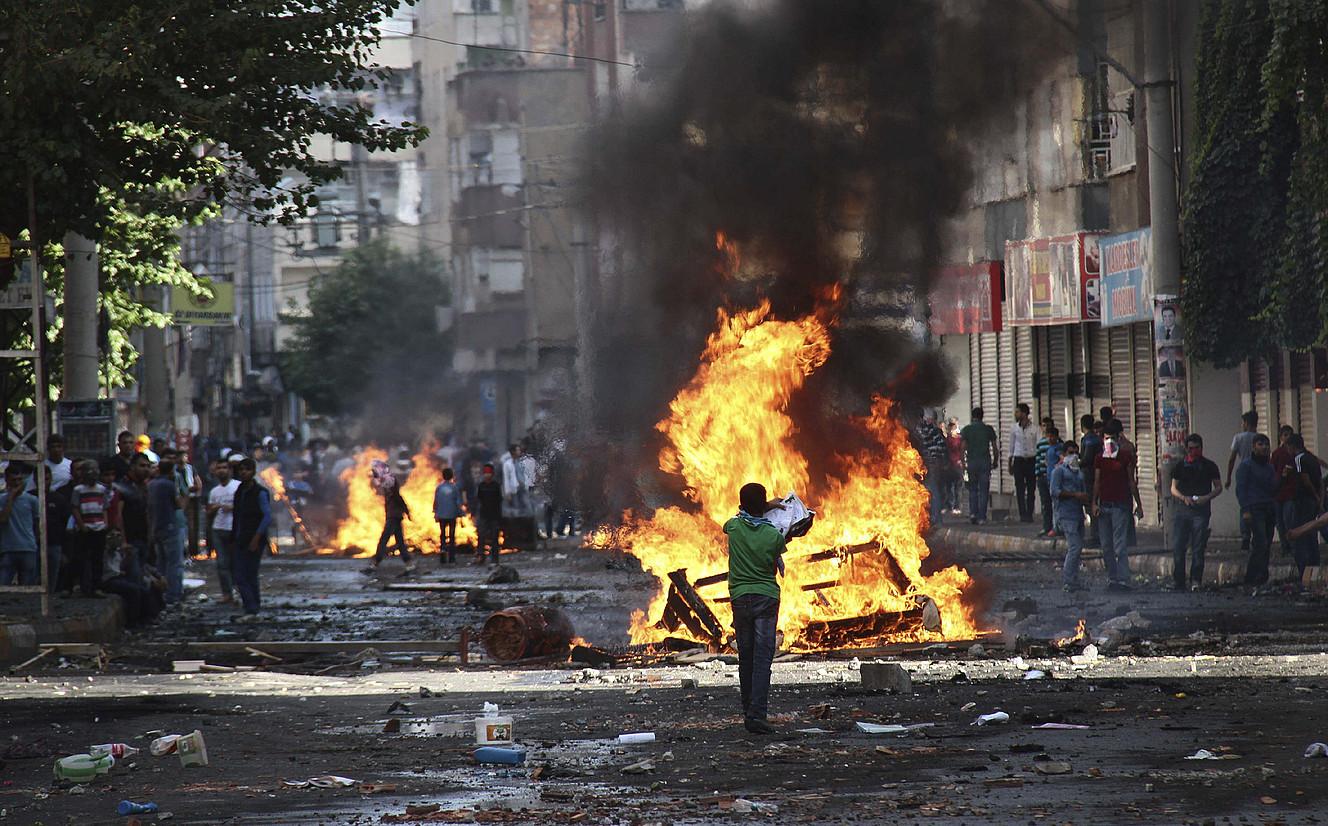 Kurdistango Diyarbakir hirian gertatu dira azken bi egunotako istilu larrienak.
