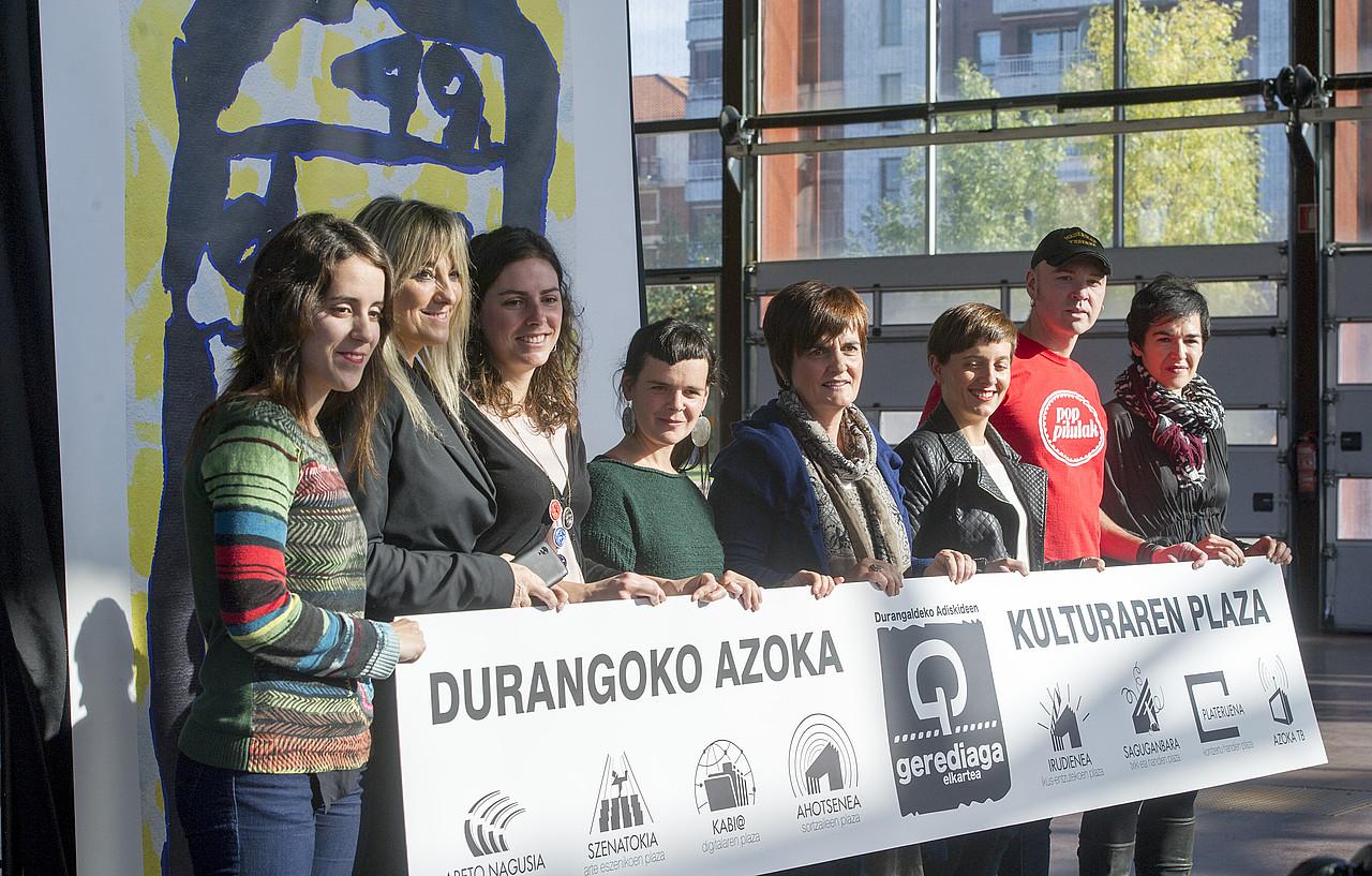 Durangoko Azokako guneetako ordezkariek beren eskaintza aurkeztu zuten atzo. / MARISOL RAMIREZ / ARGAZKI PRESS