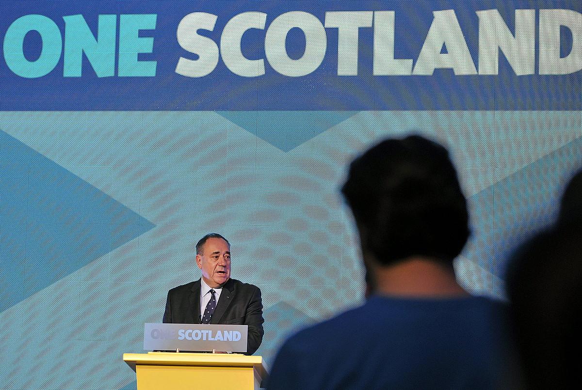 Alex Salmond Eskoziako lehen ministroa, erreferendumaren emaitza jakin berritan.