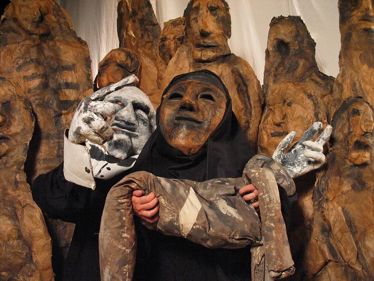 1 ©VICTORIA AND ALBERT MUSEUM, / BESTEAK