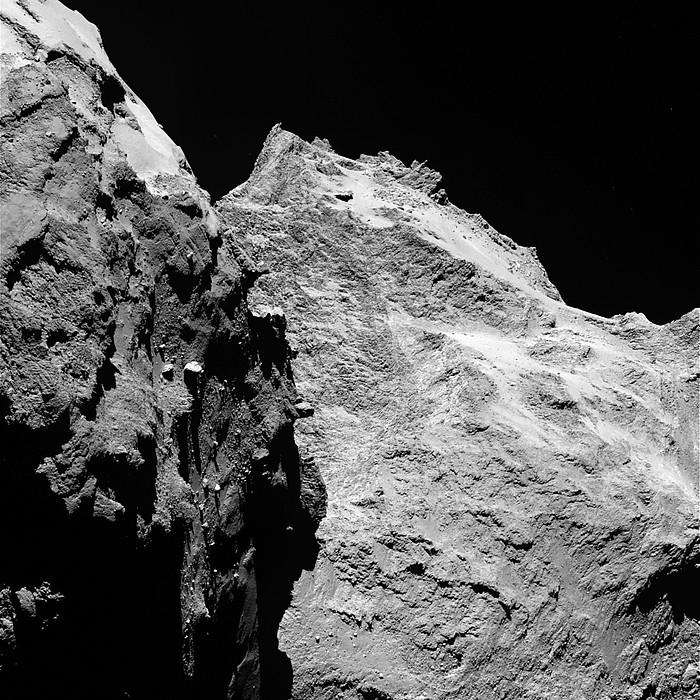 67P kometaren bista, Rosetta espaziontzitik hartua. ©ESA/ROSETTA/NAVCAM