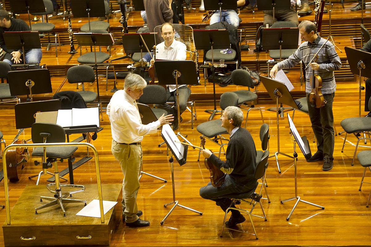 Arturo Tamayo, atzo, Euskadiko Orkestra Sinfonikoarekin egindako entseguan.
