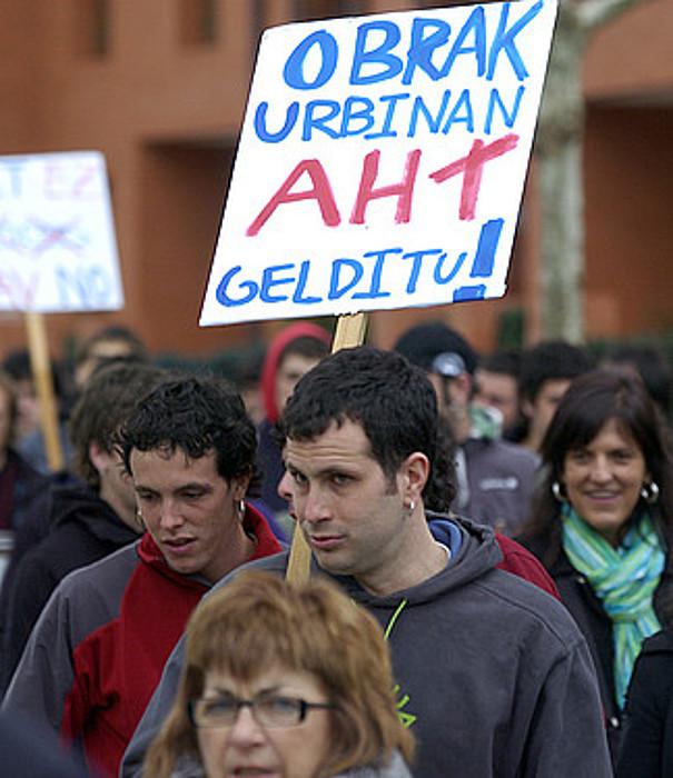 Atxondon, 2007ko martxoan, AHTaren aurka egindako manifestazioa.