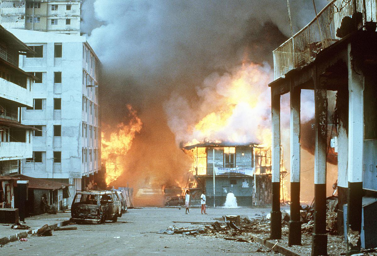 Panama Hiriko auzo txiroenetan sarraskia eragin zuten soldadu estatubatuarrek.