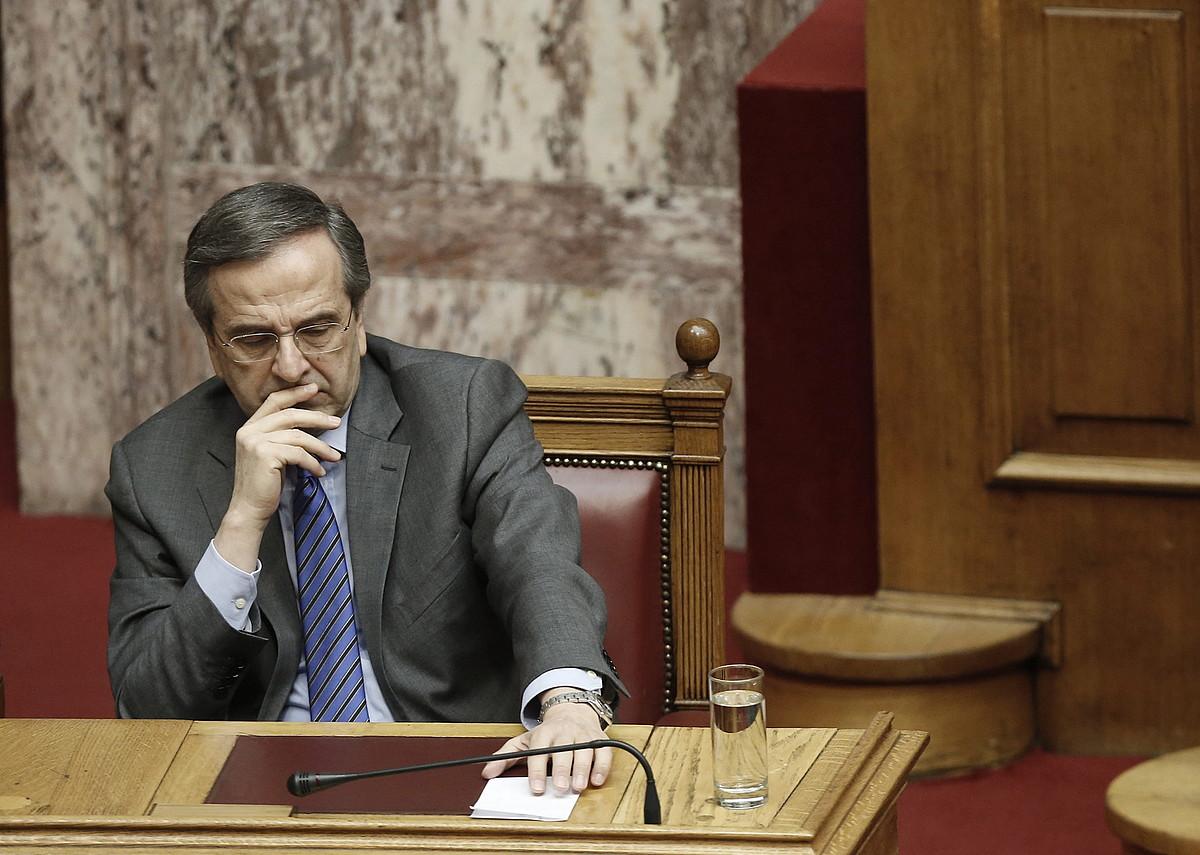 Antonis Samaras Greziako lehen ministroa parlamentuan, presidentea hautatzeko bigarren bozketa saioan.