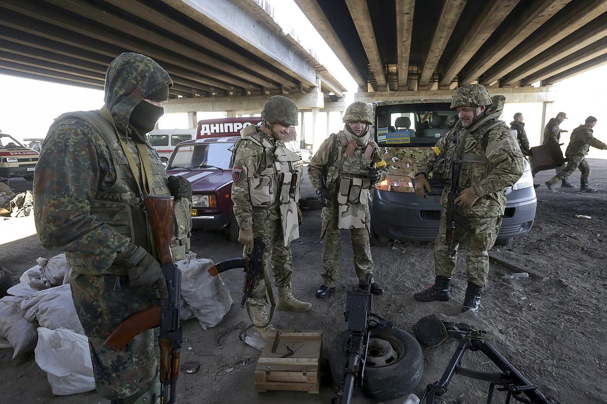 Eskuin Sektorekoak, Donetsk eskualdean, iazko urrian.