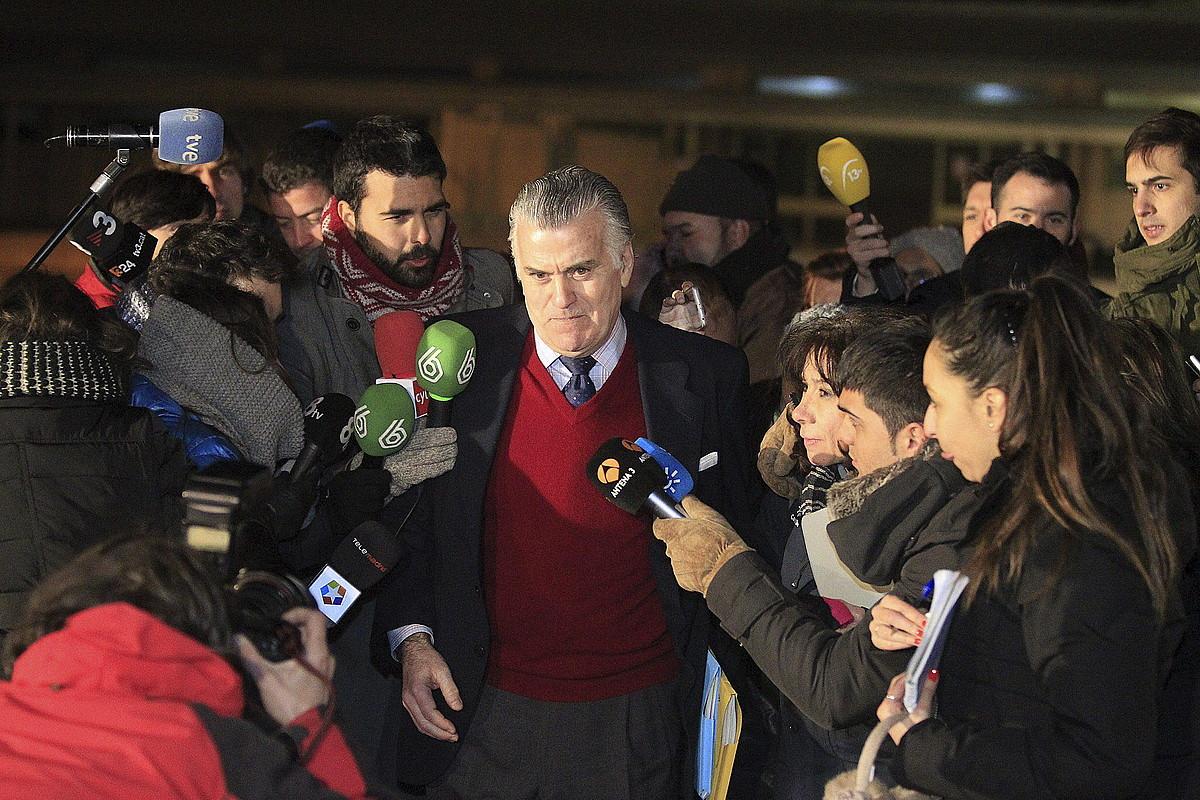 Luis Barcenas, Madrilgo Soto del Real espetxetik irten berri, atzo.