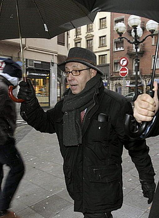 Mikel Cabieces atzo, auzitegira sartzerako. / ALFREDO ALDAI / EFE