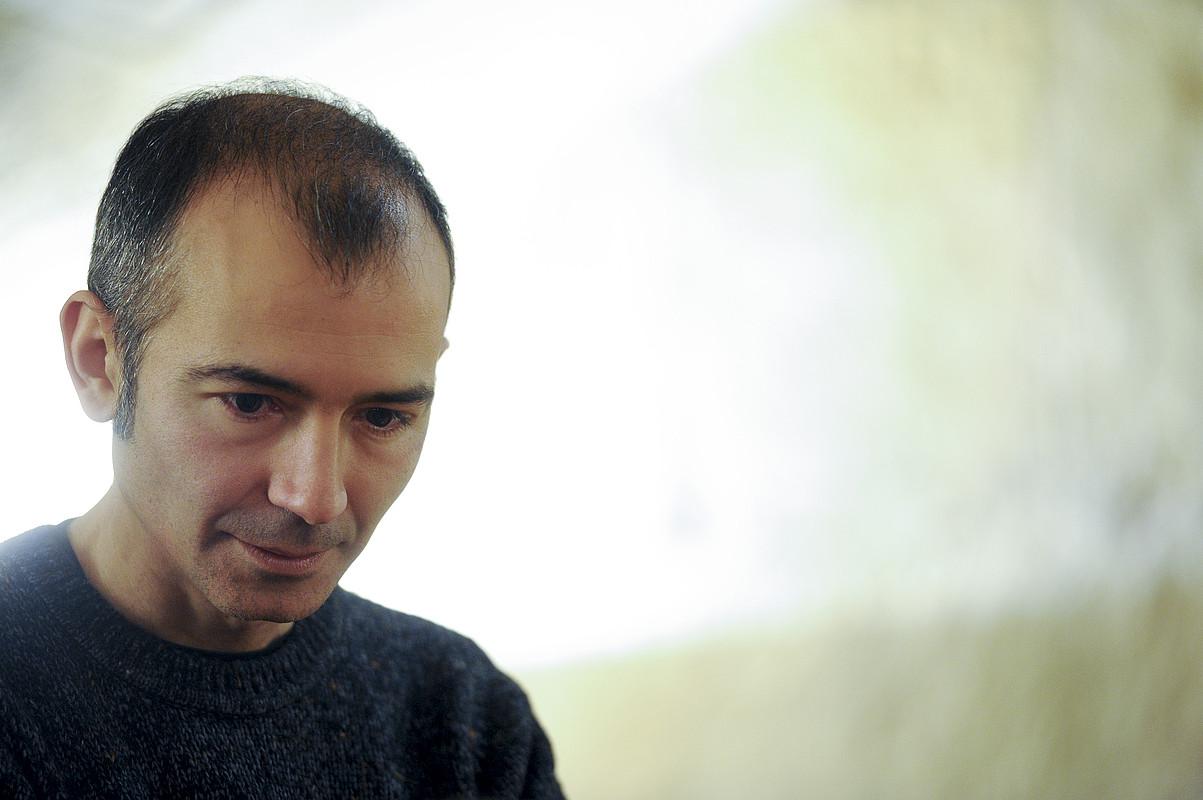 Antonio Casado da Rocha poeta, atzo, Donostian, liburua aurkezteko agerraldian.