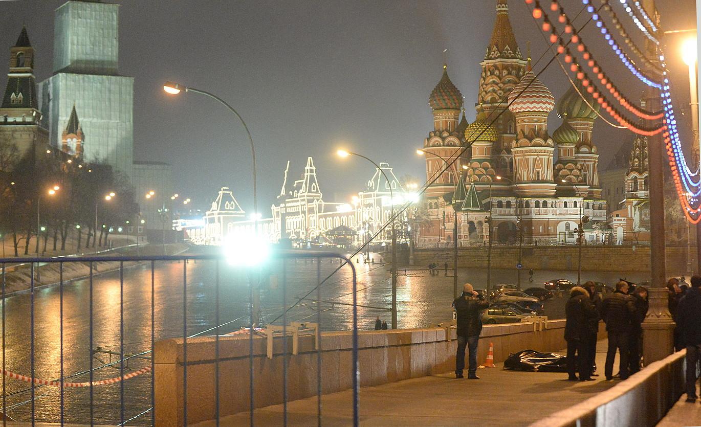 Errusiako Alderdi Errepublikanoko buruetako bat hil zuten, atzo, Moskun, Kremlinetik gertu.