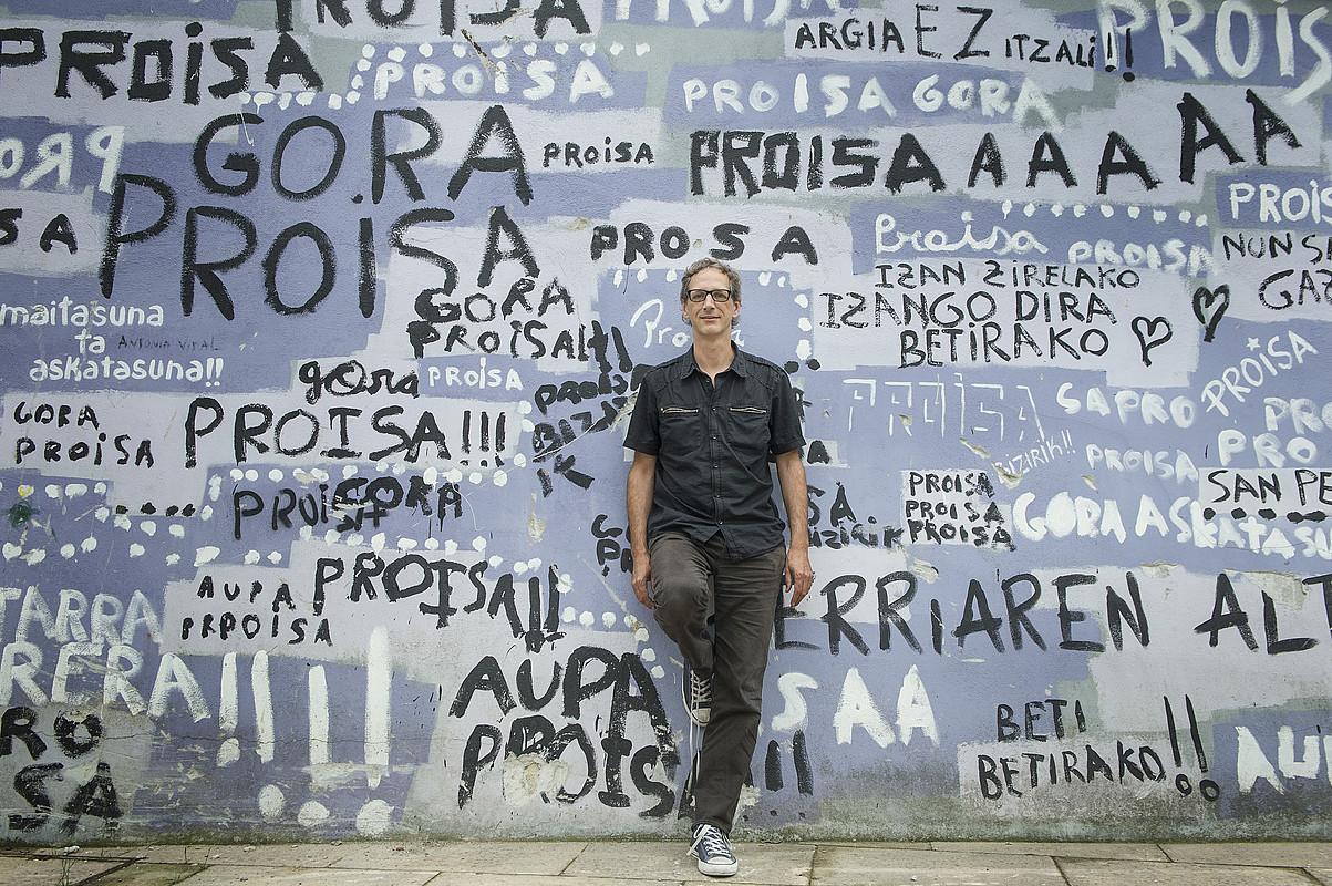 Orain berriro jaioterrian bizi arren,Laurent Dufrechek hogei urtetik gora egin zituen Madrilen. / JON URBE / ARGAZKI PRESS