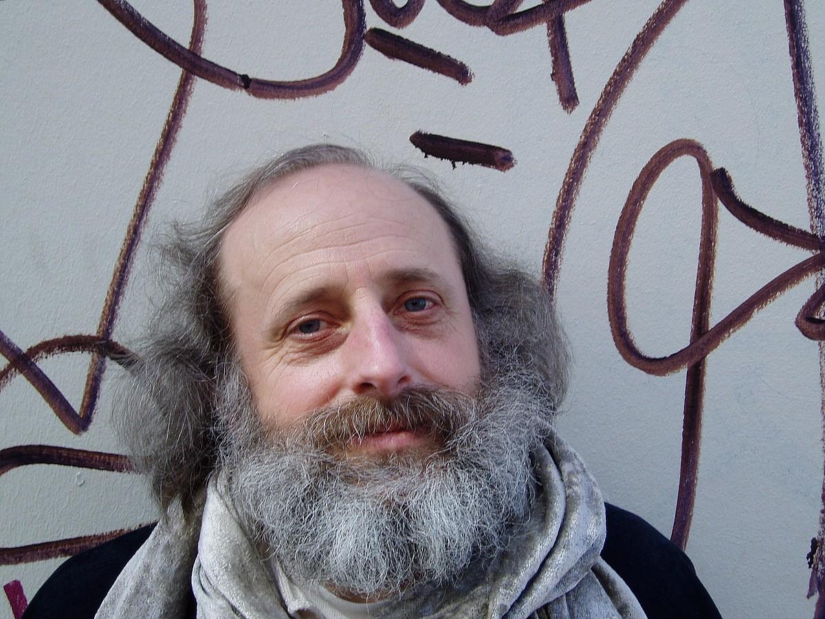 Francisco Javier Irazoki poeta, 2007ko argazki batean.