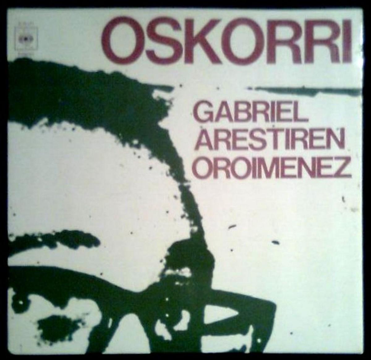 Oskorrikoen 1977ko irudi bat eta taldearen 2008ko beste bat.