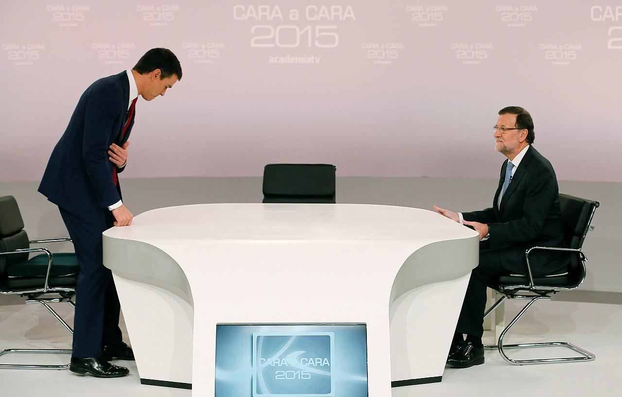 Sanchez eta Rajoy, aurrez aurrekoa hasi baino lehen. / JUANJO MARTIN / EFE