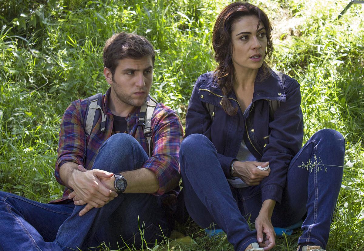 Alvar Gordejuela eta Itziar Atienza, <em>Txarriboda</em> filmeko eszena batean. Astelehenean estreinatuko dute ETB1en.
