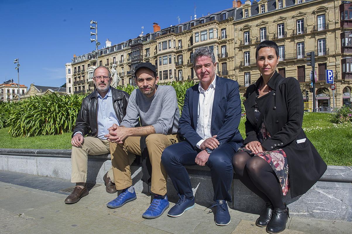 Norka Chiapusso, Gorka Ganso, Joxean Muñoz eta Nekane Basterretxea, atzo, Donostian. ©GORKA RUBIO / ARGAZKI PRESS