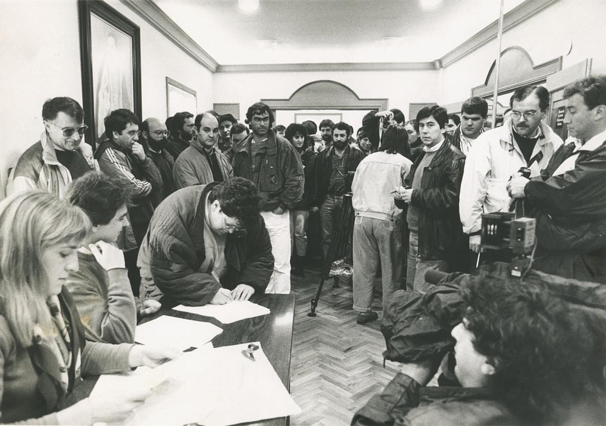 1991ko maiatzaren 5ean Uema eratu zuteneko argazkia.