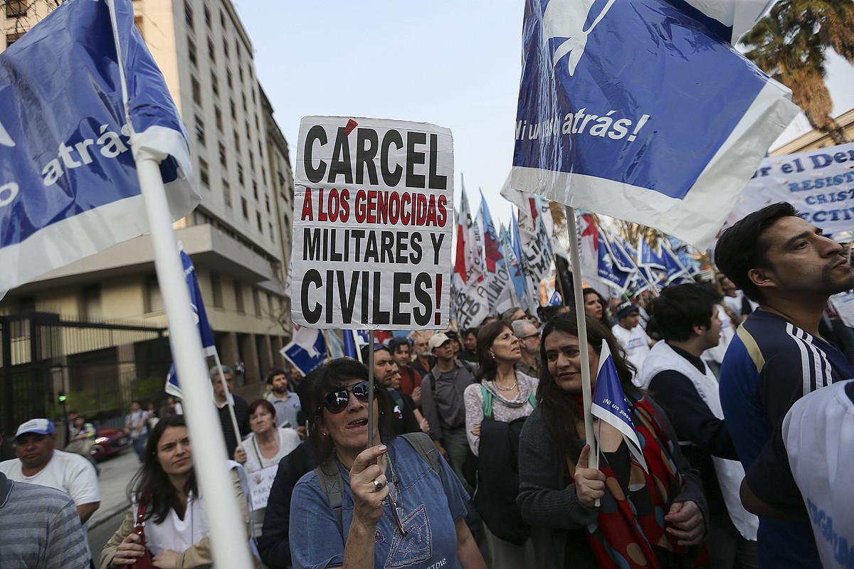 Erresistentziaren martxa Buenos Airesen, abuztuaren hondarrean, Macriren politikaren aurka. ©DAVID FERN�NDEZ / EFE