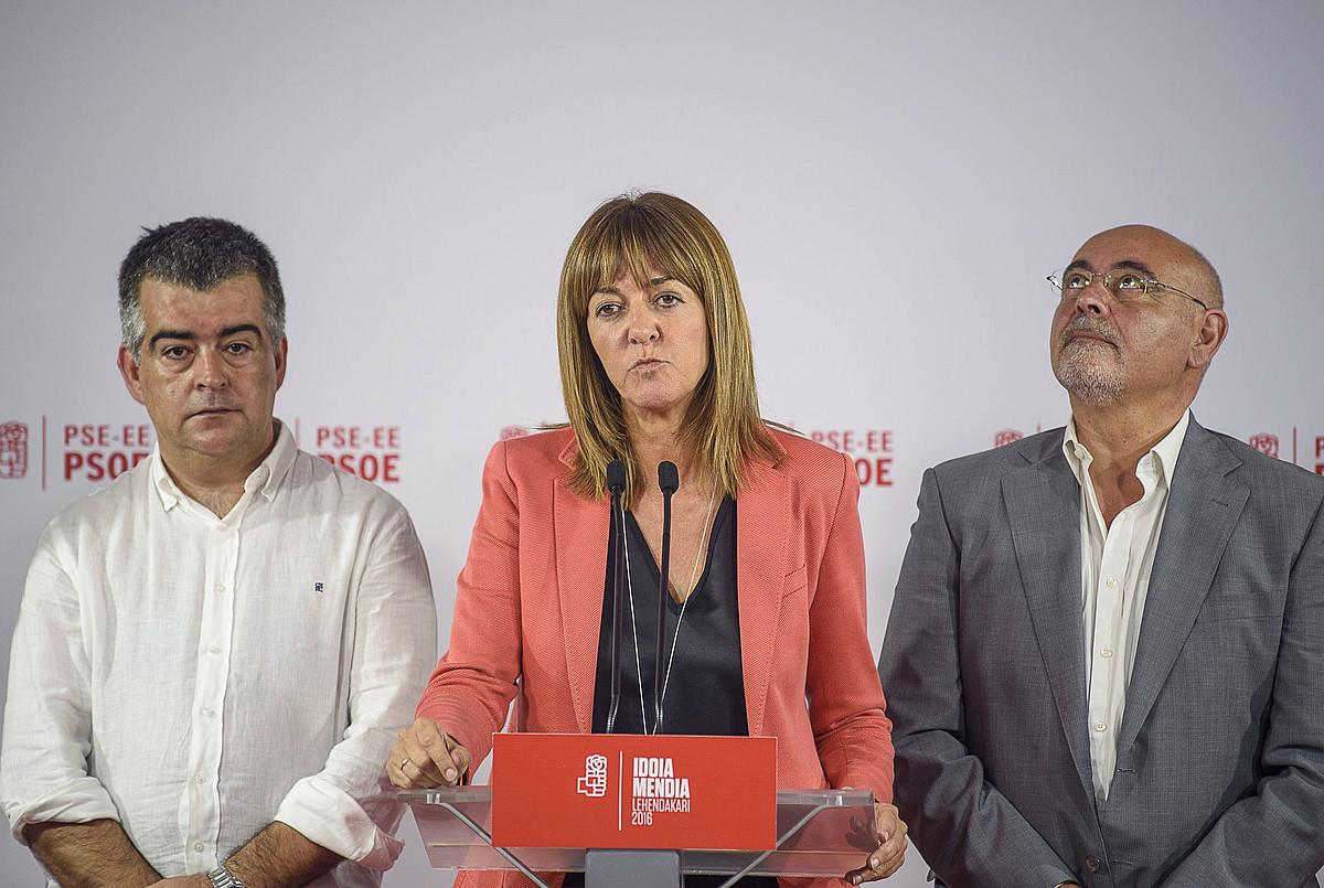 PSE-EEko Miguel Angel Morales, Idoia Mendia eta Jose Antonio Pastor, herenegun, Bilbon. / JAVIER ZORRILA/ EFE