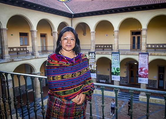 «Arazo nagusia identitatearen galera dugu»