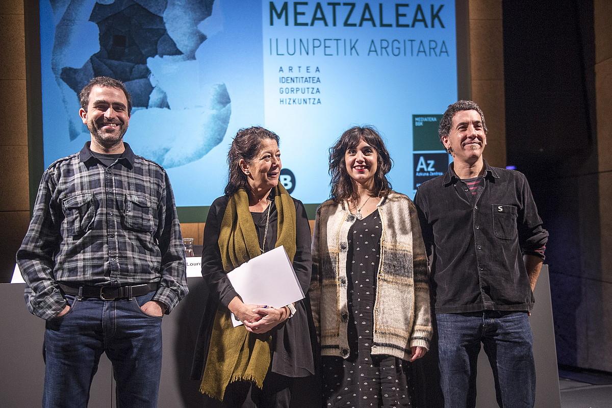 Meatzaleak programaren aurkezpena, atzo. Ezkerretik hasita, Xabier Landabidea, Lourdes Fernandez, Leire Palacios eta Gotzon Barandiaran.