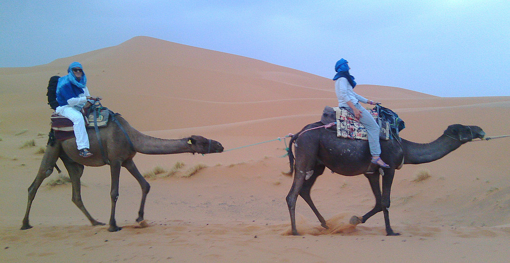 Ez gara Lawrence Arabiakoa, baina ederra da ilunabarrean basamortuko dunetan ibiltzea.