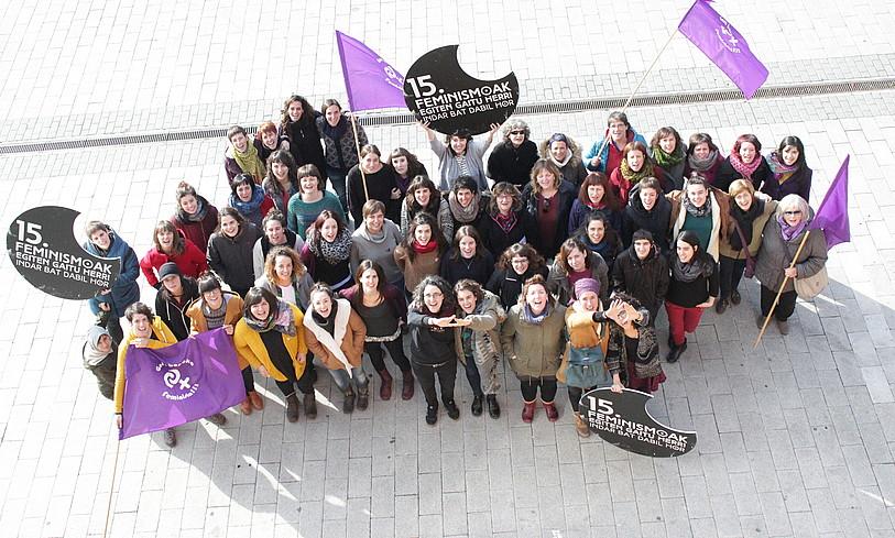 Euskal Herriko Bilgune Feministak urteurrenaren aitzakian Altsasun (Nafarroa) ateratako argazkia.