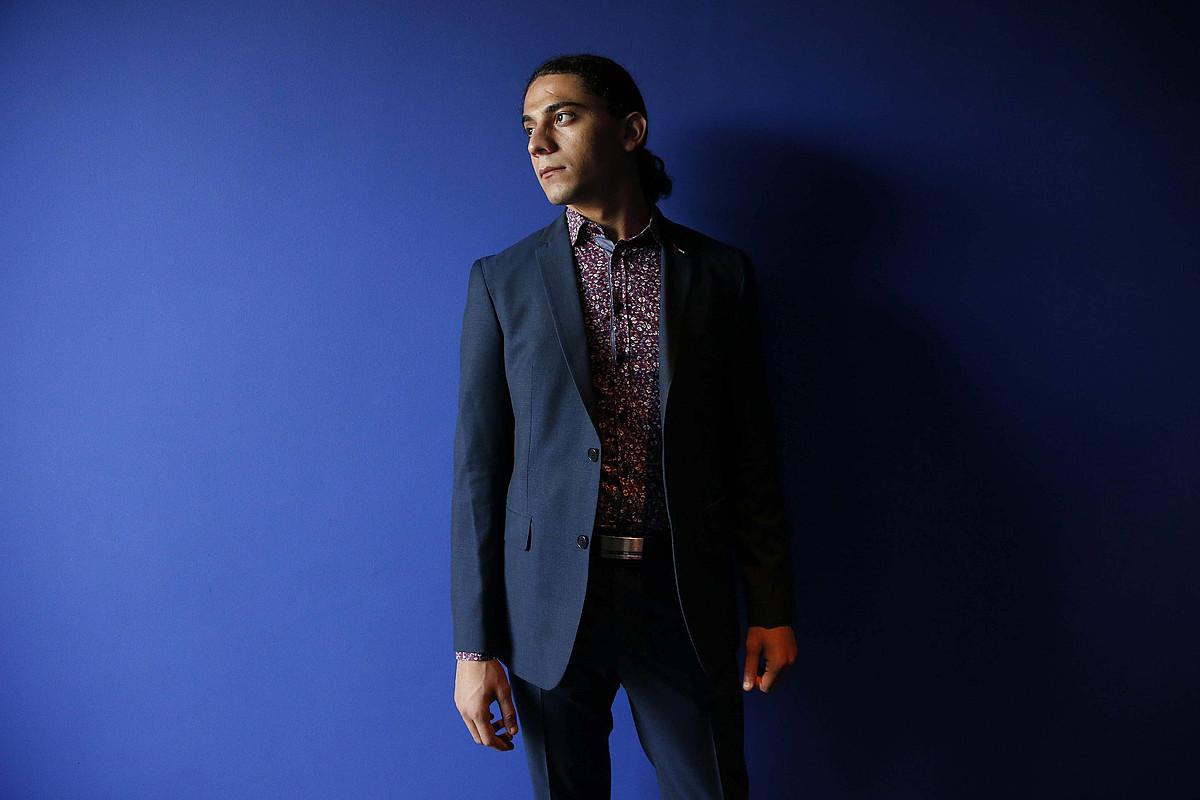 Yahya Hassan poeta daniar palestinarra, duela hiru urteko argazki batean.